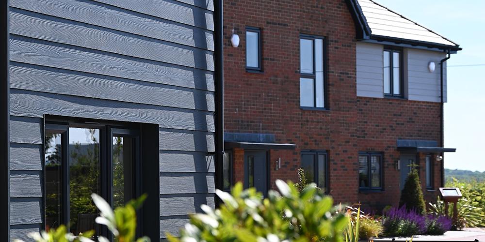 Houses on the Faversham Lakes development